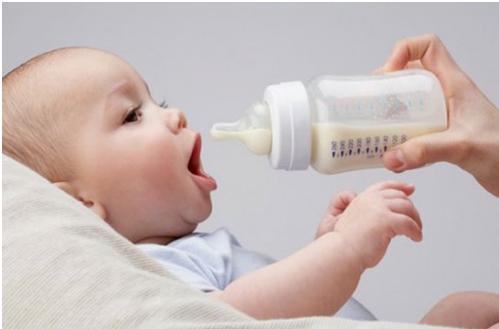Bé không tăng cân nên uống sữa nào thì phù hợp