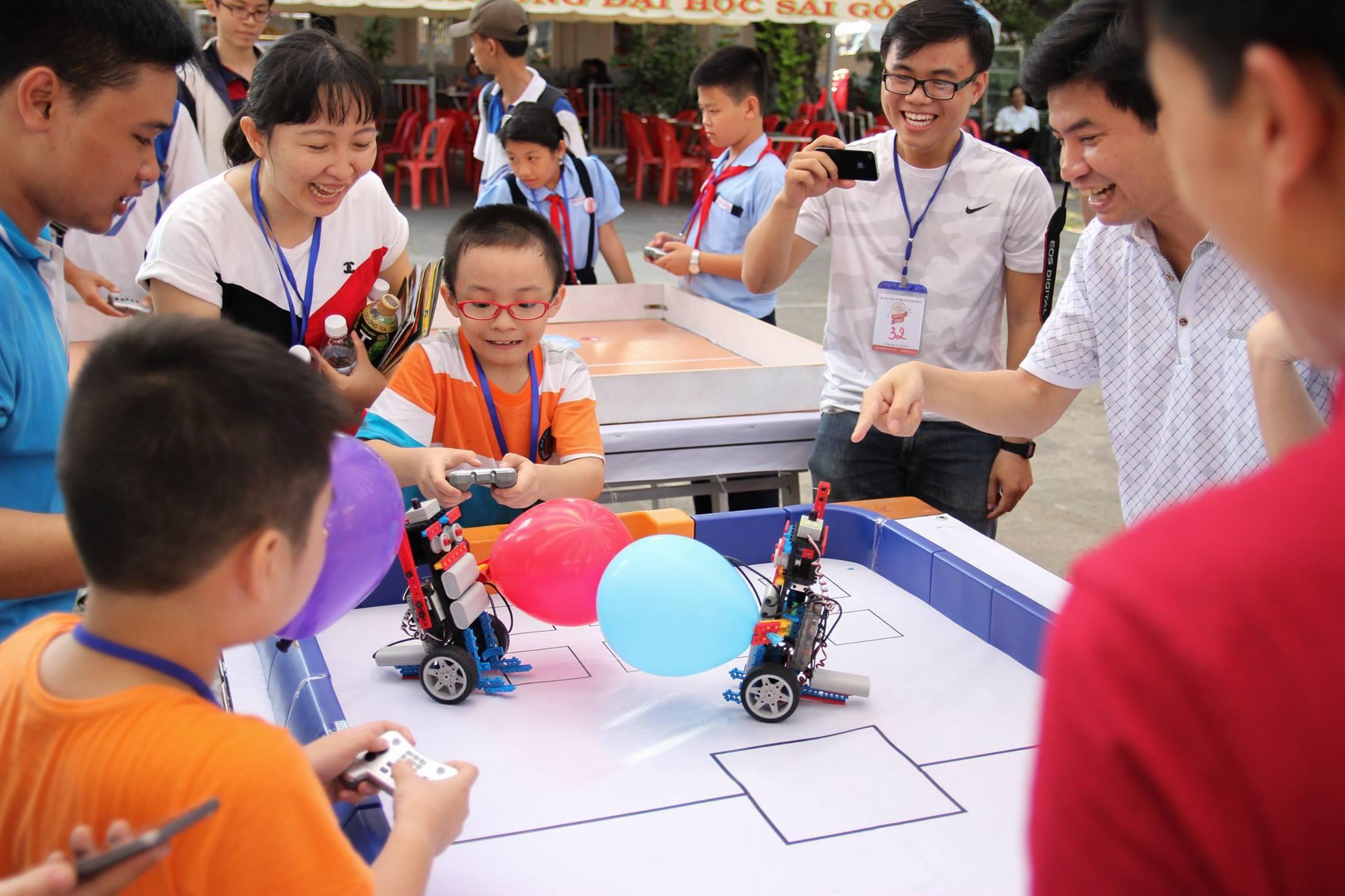 Cho trẻ học lập trình robot?